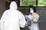 AGENCJA SITEPROMOTION - Wroclaw 25.05.2020SPEEDWAY EKSTRALIGA ZUZLOWA ZUZEL Testy na obecnosc koronawirusa POLISH LEAGUE SPEEDWAY Coronavirus tests , SARS COV 2 , COVID 19NZ Gleb Czugunow przed pobraniem wymazu , kombinezon , maska , rekawiczki , suit , mask , glovesFOT. WOJCIECH TARCHALSKI / Superstar.com.pl
